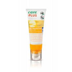 geel witte tube van care Plus met lipstick roller