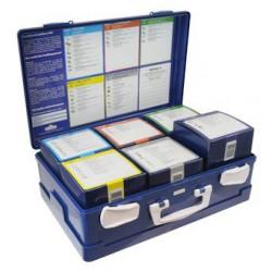 blauwe verbandkoffer opengeklapt met 6 doosjes erin